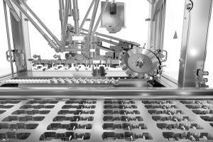 Effiziente und kontrollierte Spritzenzuführung    Verpackungsmaschinen
