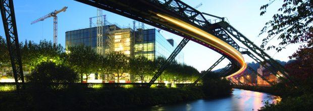 Im API-Projekt bei Bayer in Elberfeld werden Problempunkte auf der Baustelle mit der Projektführungssoftware bee bearbeitet. (Bild: Eszett)
