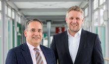 Die CEOs Frank Mathias von Rentschler (l.) und Michael Scholl von Leukocare (r.) haben eine Kooperation zwischen den beiden Unternehmen angekündigt. (Bild: Rentschler)