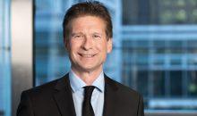 Dr. Martin Zentgraf ist für weitere drei Jahre Vorstandsvorsitzender des Bundesverbandes der Pharmazeutischen Industrie. (Bild: BPI)