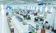 Erstmals über 2.000 Mitarbeiter und ein Umsatz von 374 Mio. Euro – mit diesen Rekordzahlen  beschließt die Uhlmann Group ihr Geschäftsjahr 2016/2017. Ausschlaggebend waren die positive Geschäftsentwicklung weltweit sowie der Zukauf von Cremer Speciaalmachines.  (Bild: Uhlmann)