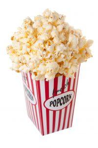 Zukäufe für den Abend auf der Couch: Hershey kauft den Popcorn- und Chips-Hersteller Amplify, Suppenlieferant Campbell will den Snack-Bäcker Snyder's-Lance übernehmen. (Bild: Jan Will – Fotolia)