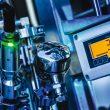 Eine neue Sensor-Technologie ermöglicht erstmals einen Sensor, der eine prozessabhängige automatische Inline-Kalibrierung in sehr kurzen Kalibrierintervallen erlaubt.