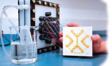 Aufbereitungsmodul mit integrierten Ultraschallsensoren zur vollständigen Entfernung von Medikamentenrückständen. (Bild: Fraunhofer IKTS)