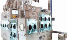 Der Isolator verfügt über eine integrierte Mühle und ein Dosiersystem in steriler Umgebung. (Bild: FPS)
