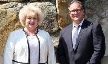 Annette Wille, Head of Solutions Sales Dairy & Food, und Heinz-Jürgen Kroner, Head of APC Liquid Dairy, leiten den Bereich Anlagenbau für die Milchindustrie bei GEA.