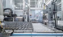 Die produzierten Polymerspritzen sind steril und können direkt zur aseptischen Abfüllung eingesetzt werden. (Bild: Schott)