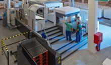 Eine neue Druckmaschine soll ab Dezember die Kapazität im tschechischen Rondo-Werk steigern. (Bild: Rondo)