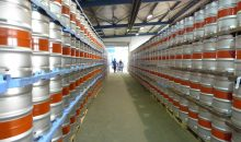 Das Werk kann durch die Erweiterung 20.000 Edelstahl-Kegs pro Woche produzieren. (Bild: Schäfer Container Systems)