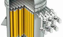 Während des Filtrationszyklus lagert sich der Feststoff durch die angelegte Druckdifferenz als Filterkuchen auf der Oberfläche des Filtermediums (gelb) an. Das klare Filtrat fließt aufwärts durch das Zentralrohr und wird durch die Registerrohre ausgetragen. (Bild BHS Sonthofen)