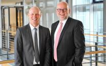 Die beiden Herma-Geschäftsführer Sven Schneller (links) und Dr. Thomas Baumgärtner. Bild: Herma