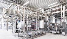 Der zentrale Anlagenbereich im Milchwerk mit Röhren-Wärmeübertrager. (Bild: IE Food / Anderson-Negele)