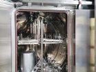 Wasch-Sterilisator mit Waschtrolley (innen).