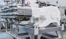 Für die Förderung von Milchpulverkonzentrat wird bei Hochdorf seit Kurzem eine Triplex G3F hygienic Prozess-Membranpumpe eingesetzt. (Bilder: Lewa)