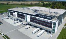 Das Zentrum für Sichtprüfung und Logistik in Ravensburg setzt auf moderne Arbeitsabläufe und ein nachhaltiges Energiekonzept. (Bild: Vetter)