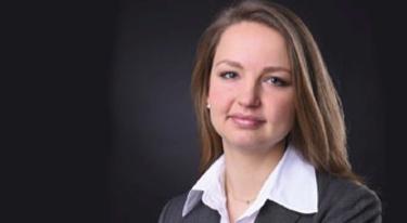 Dr. Anna Novikova, Pharmazeutin und PAT-Expertin von Fette Compacting, im Interview