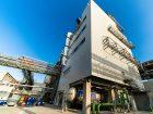 Platz 2 geht mit einem Umsatz von 71,73 Mrd. US-D an die BASF. Das Ludwigshafener Unternehmen verfügt über ein umfangreiches Produktportfolio im Bereich der Industriechemikalien und bedient mit seinen Produkten weltweit die Automobil-, Elektro-, Chemie- und Bauindustrie, die Argrar- und Pharmabranche sowie die Öl- und Gasförderindustrie.  Bild: BASF