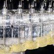 Der eingesetzte Füller ist speziell darauf ausgelegt, Öle, Soßen und andere viskose Produkte abzufüllen. (Bilder: Krones)