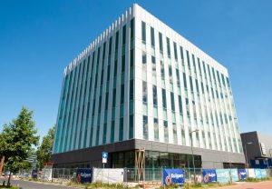 Der Lohnhersteller Halix nimmt in Leiden, Niederlande, die Produktion von virus- und proteinbasierten Pharmazeutika auf. (Bild: Halix)