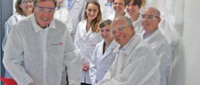 Symrise hat in Holzminden ein Labor für die Forschung und Entwicklung kosmetischer Inhaltsstoffe eingeweiht. (Bild: Symrise)