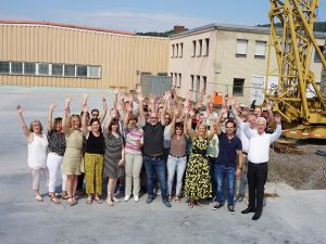 Die Mitarbeiter in Wächtersbach freuen sich über den Baufortschritt. (Bild: Kremer)