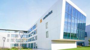 Sartorius will zusammen mit dem DFKI den Einsatz von künstlicher Intelligenz in Plattformlösungen für die biopharmazeutische Industrie erforschen. (Bild. Sartorius)