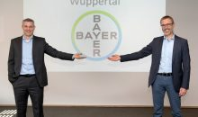 Dr. Holger Weintritt hat seinen Nachfolger Dr. Timo Fleßner offiziell als Leiter des in Bayer-Standorts Wuppertal begrüßt.