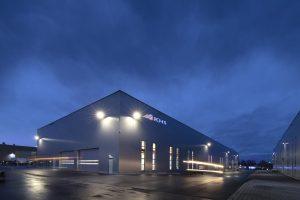 KHS hat bei Modernisierungen am Stammsitz in Dortmund unter anderem eine neue Produktionshalle errichtet. (Bild: KHS)