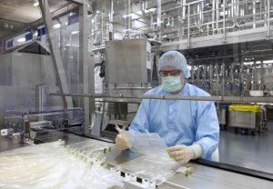 Im Life-Werk (Leading Infusion Factory Europe) in Melsungen werden Ernährungslösungen hergestellt. (Bild: B. Braun)
