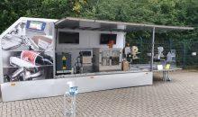 Interessierte Unternehmen bekommen auf Wunsch Besuch vom Kennzeichnungs-Truck von Bluhm Systeme.
